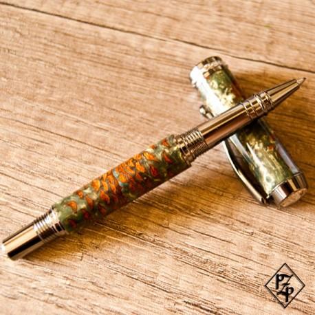 Triton stylo roller en mini pignes de Pin et résine